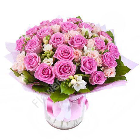 Букет из розовых и кремовых роз — 51 шт.