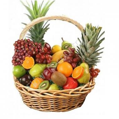 Корзина с фруктами (Ананас, Бананы, Апельсины, Виноград и др.)