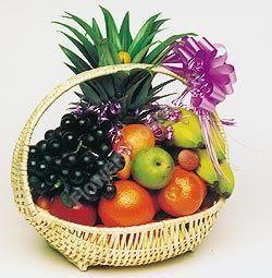 Корзина с фруктами (Ананас, Мандарины, Бананы, Апельсины, Виноград и др.)