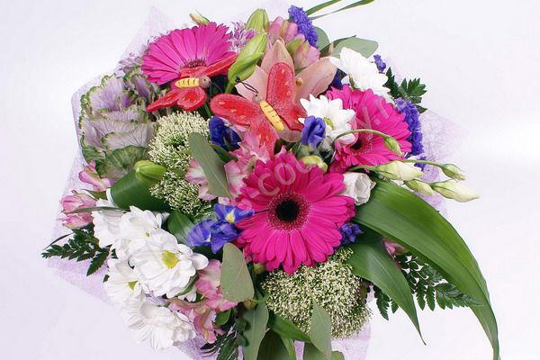 Букет с герберами, хризантемами, лилией и ирисами